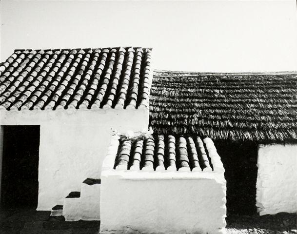 lucien hervé / architecture populaire espagnole. form, materiality. render, tile, thatch.