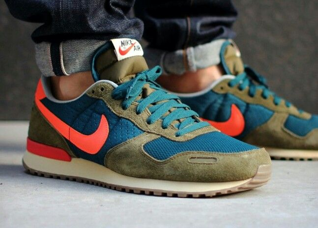 nike internationalist colors