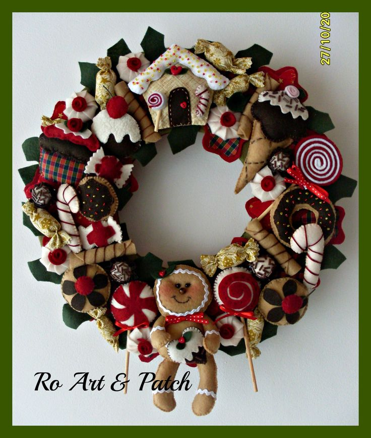What a fun wreath.