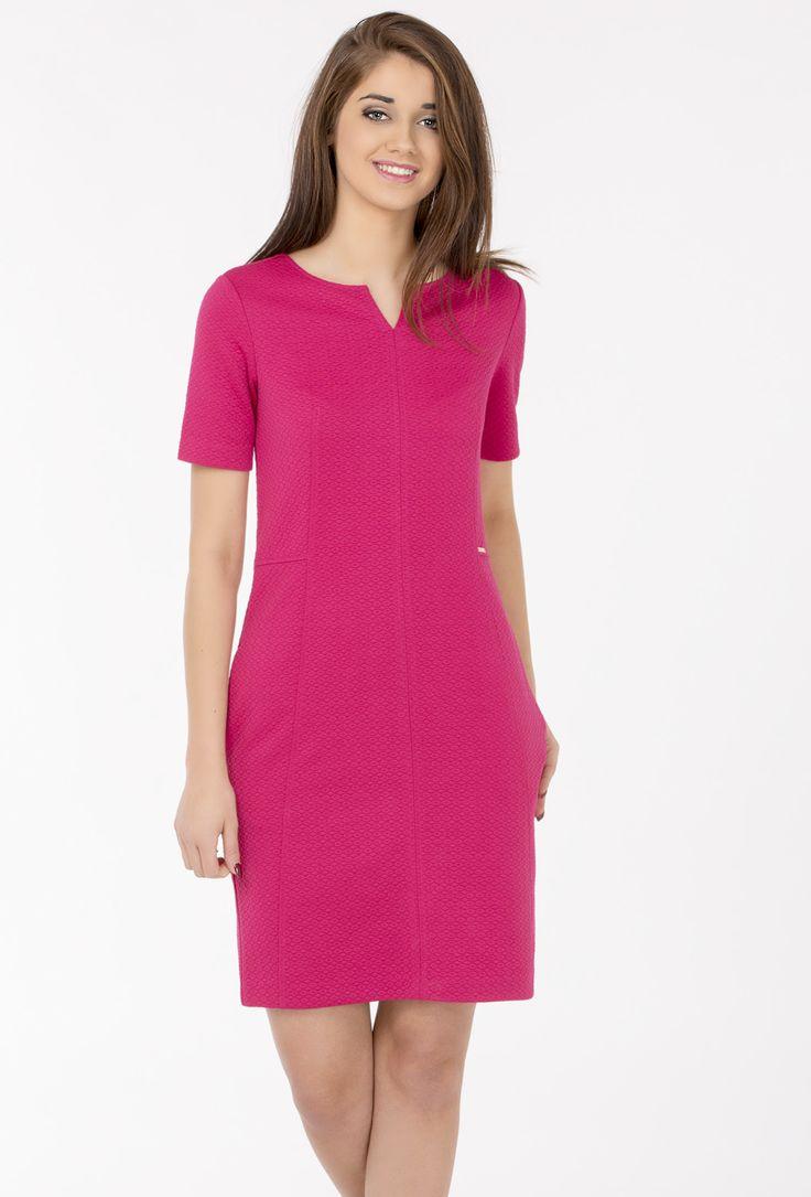 Sukienka z tłoczonym wzorem