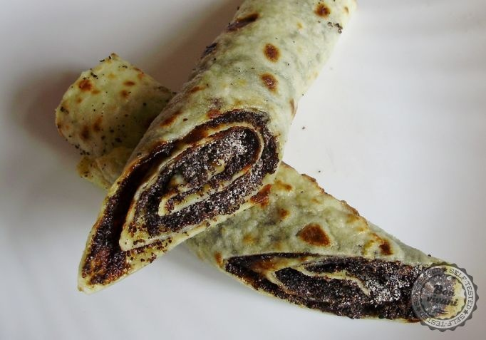 """Makové lokše"" • bonvivani.sk - Slovak potato lokse (similar to lefse) filled with poppy seeds"