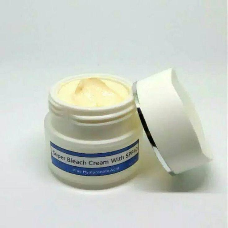 Super Bleach Cream + SPF 40 Isi nett 45gr  Harga Rp 42.000  Berfungsi untuk : - Memutihkan kulit - Menstimulasi produksi kolagen - Menghaluskan kulit - Membuat kulit tampak awet muda - Mempertahankan antioksidan - Anti penuaan - Menjaga elastisitas kulit - Mengurangi minyak - Kulit lebih glowing - Meratakan warna kulit - dapat digunakan sebagai alas bedak  maya beauty skincare : * packing aman + bubble wrap * produk kami seluruhnya diracik oleh peracik medis profesional selama +- 8th di…