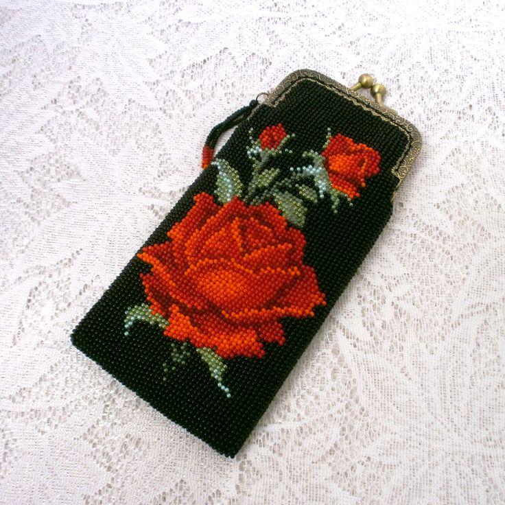 Очечник из бисера Роза алая | biser.info - всё о бисере и бисерном творчестве