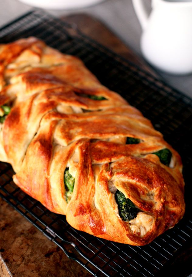 Chicken Cheddar Broccoli Braid Recipe