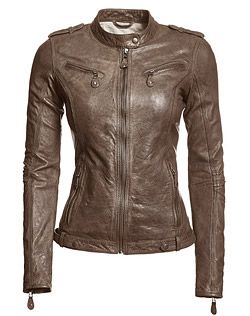 Danier : outlet : women : leather jacket in light brown is a great choice for a cool Summer type.