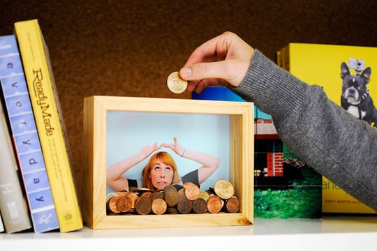 DIY Photo Frame Piggy Bank <3 Use picture of what you are saving for