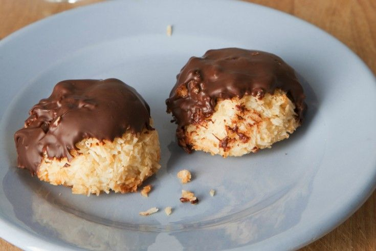 Gevulde kokosmakronen met chocolade - Culy.nl