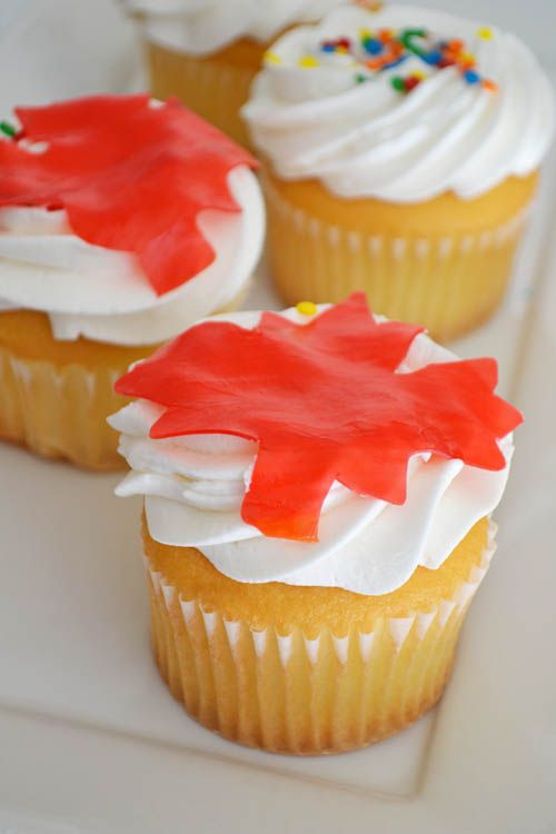 Maple Canada Day Cupcakes with Cream Cheese Frosting