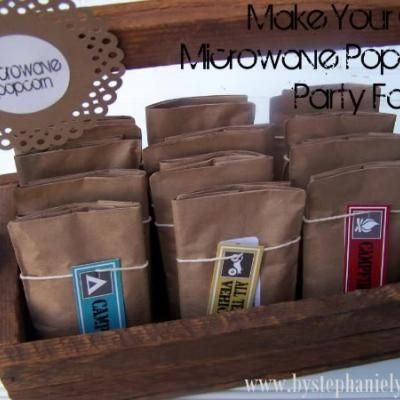 Make your own microwave popcorn packs ... no grease & yucky fake butter smell.: Gifts Ideas, Paper Bags, Popcorn Bags, Lunches Bags, Popcorn Parties, Parties Favors, Parties Ideas, Popcorn Packs, Microwave Popcorn
