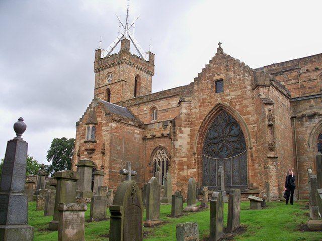 St. Michael's Church, Linlithgow, Scotland | NT0077 : St Michael's Parish Church Linlithgow