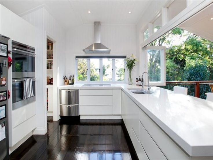9 Colton Street, Highgate Hill, Qld 4101 || Very open kitchen. Bright and airy.