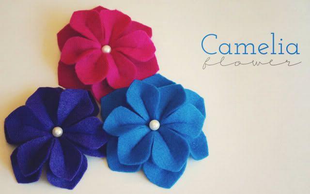 felt cameliaFelt Camelia, Fabrics Flower, Flower Tutorials, Diy Tutorial, Flower Crafts, Flower Power, Felt Flower Tutorial, Felt Flowers, Flower Pattern