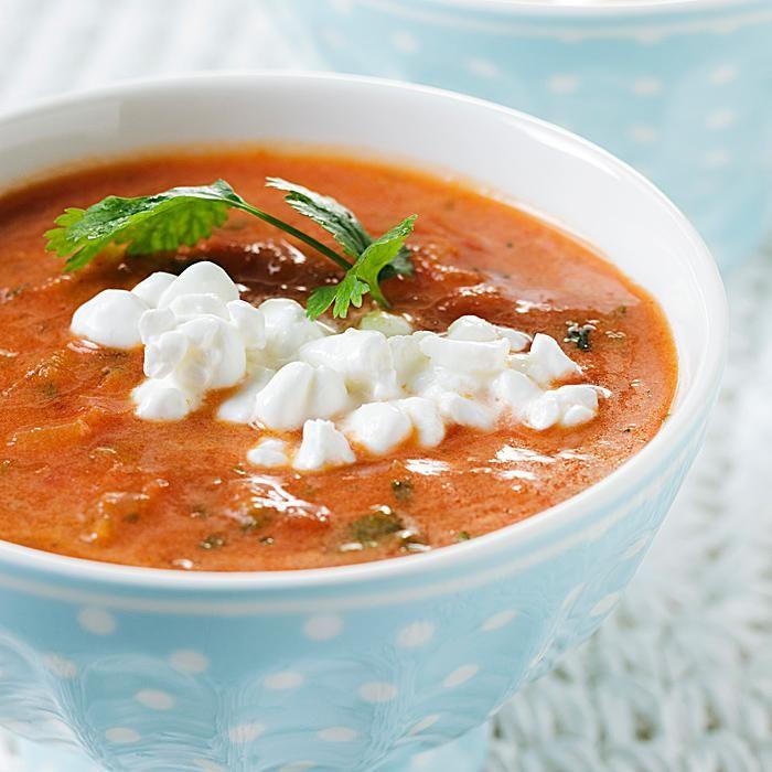 Kevyt inkiväärinen tomaattikeitto
