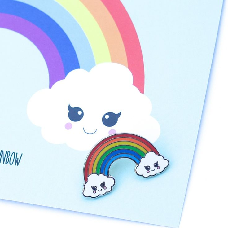 Wolk regenboog pin Wolken en regenbogen blijveneen hele leuke combinatie. Deze vrolijke wolk regenboogpin is leuk op een sjaal of tas of gewoon om te verzamelen.Ook ...