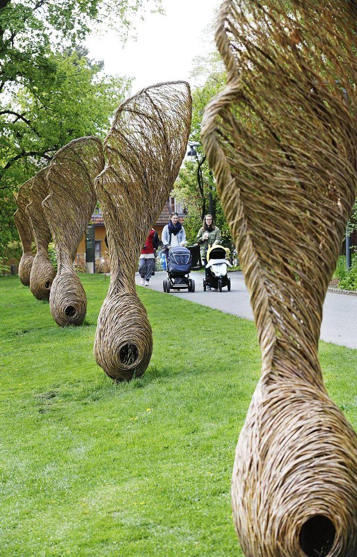 34 best Garden Willowwork Pil i Hagen images on Pinterest