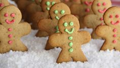 Biscoitos são uma tradição muito forte de Natal em outros países, principalmente os de gengibre e especiarias super aromáticos em formatinhos de bonecos. Eles se chamam Ginger Man Cookies (Homenzin...