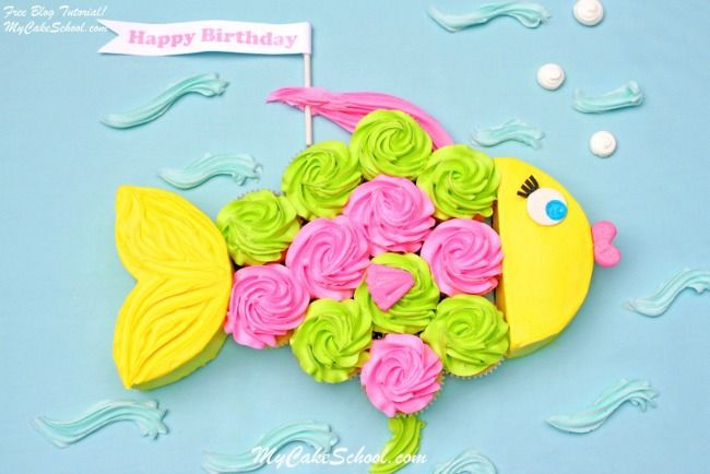 Fish Cupcake Cake #cupcakecake #pullapartcupcake #birthdaycake #cupcakes #fish