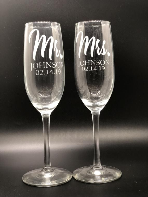 Customized Champagne Glasses Personalized Glass Etsy In 2020 Wedding Toasting Glasses Wedding Champagne Glasses Wedding Pint Glasses
