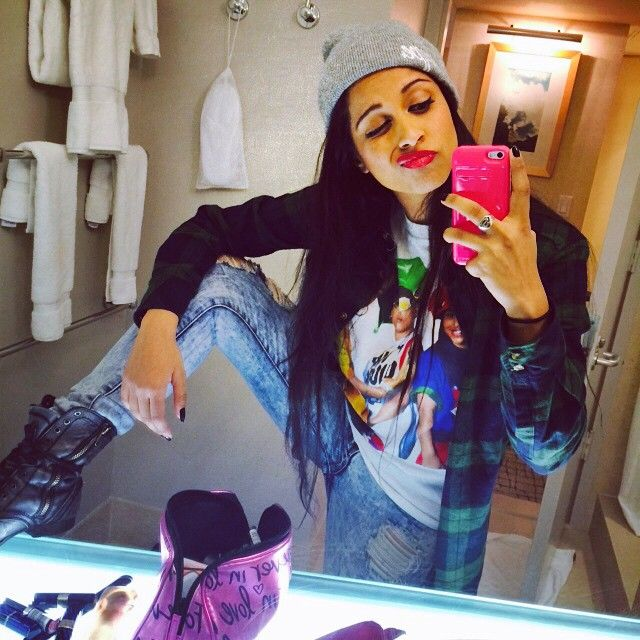 """""""My life is crazy, and I wouldn't want it any other way."""" -@iisuperwomanii"""