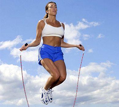 Упражнения для ягодиц - Прыжки через скакалку