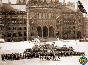 9 Parlamentul Ungariei 1919 - Armata Romana la Budapesta Foto Roncea Ro - Ziaristi Online - Arhivele Nationale
