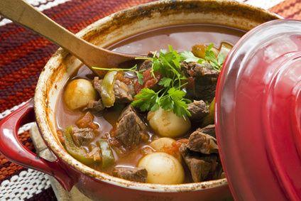 Gulasz Wieprzowy (Polish Style Pork Stew) Hotpot, Meals, Crock Pots, Food, Beef Stews, Slowcooker, Slow Cooker, Crockpot Recipe, Hot Pots