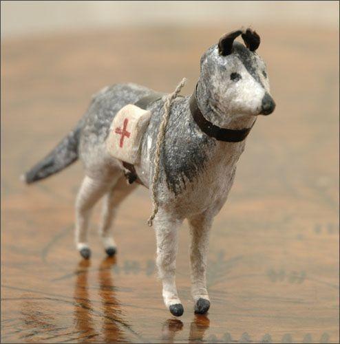 Это винтажная ёлочная игрушка из ваты. Собака-санитар. Производство Германия. Конец 19 века