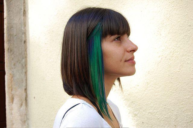 That's Cool!: Hair Ideas, Green Highlights, Cute Bobs Hairstyles, Wip Hairport, Green Hair, Green Streaks, Colors Hairstyles, Medium Hairstyles, Peek A Boo