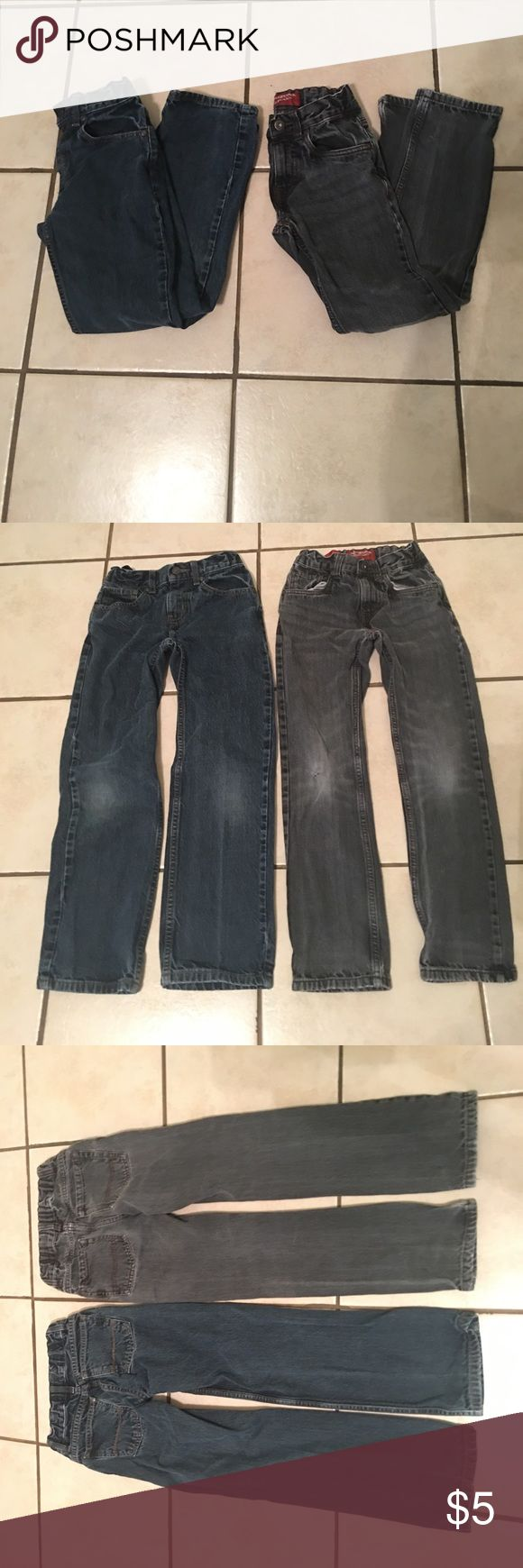 Boys set of jeans Set of boys Arizona jeans. Both are size ten and the blue ones are the relaxed slim fit and the gray jeans are the straight slim fit. Both feature an adjustable waist band to help the jeans fit better. Arizona Jean Company Bottoms Jeans