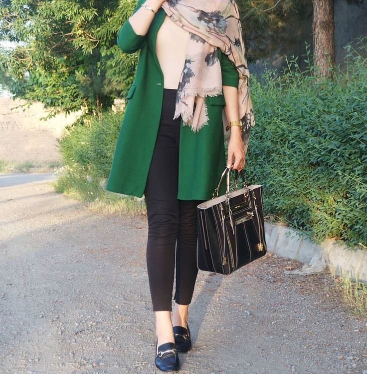 Emerald green and beige - check out: Esma <3
