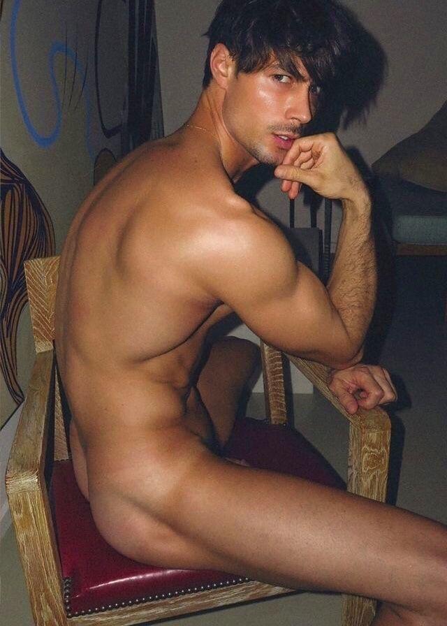 arab man with cm dick masturbates