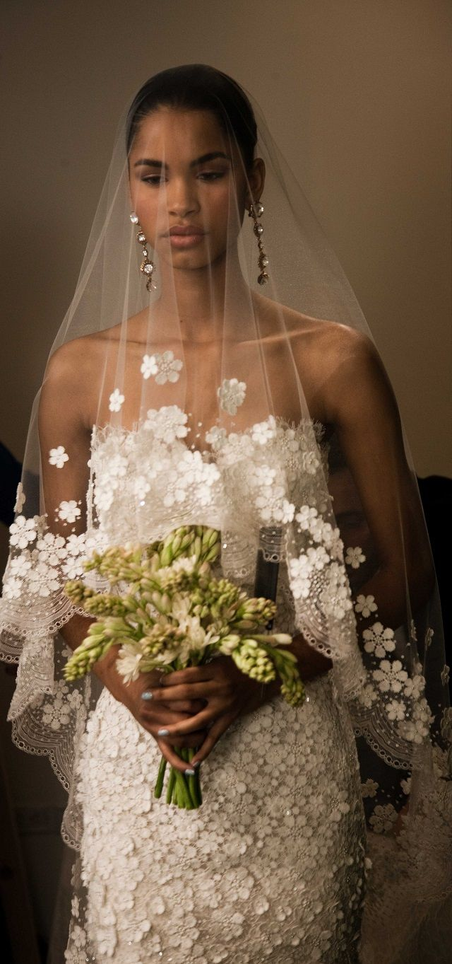 divashyne.com :: Designer Fashion Blog: Oscar de La Renta Bridal 2013: Daiane Sodre