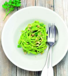 Fettuccine al pesto di prezzemolo e noci - Tutte le ricette dalla A alla Z - Cucina Naturale - Ricette, Menu, Diete