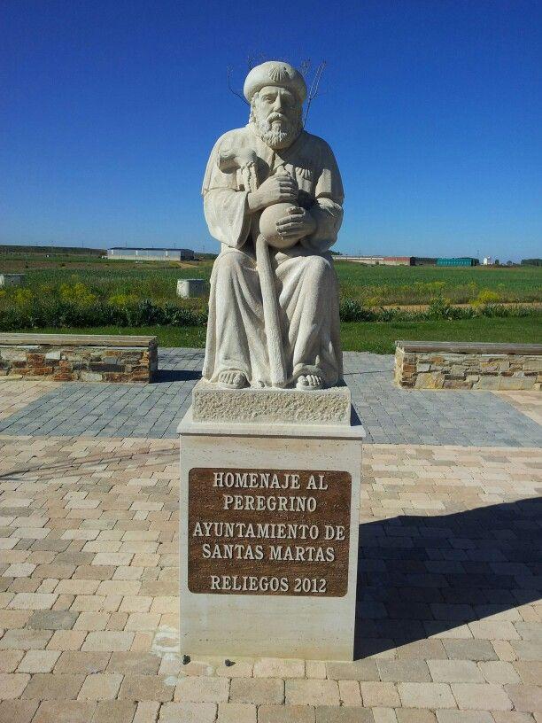 Statue for pelgrims