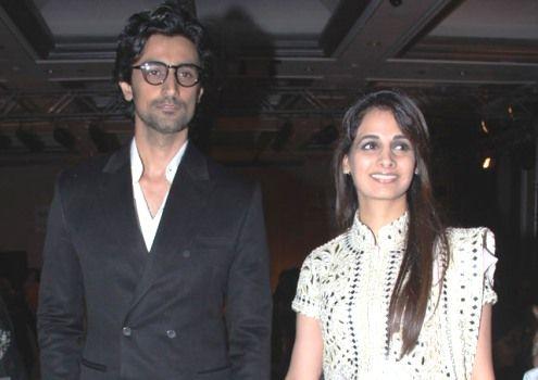 Actor #KunalKapoor marries Big B's niece #NainaBachchan