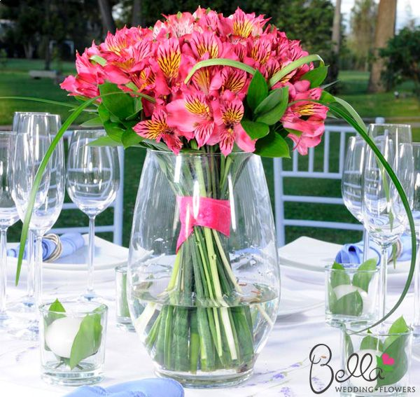 Peruvian Lily - 15 Breathtaking Inexpensive Wedding Flowers - EverAfterGuide