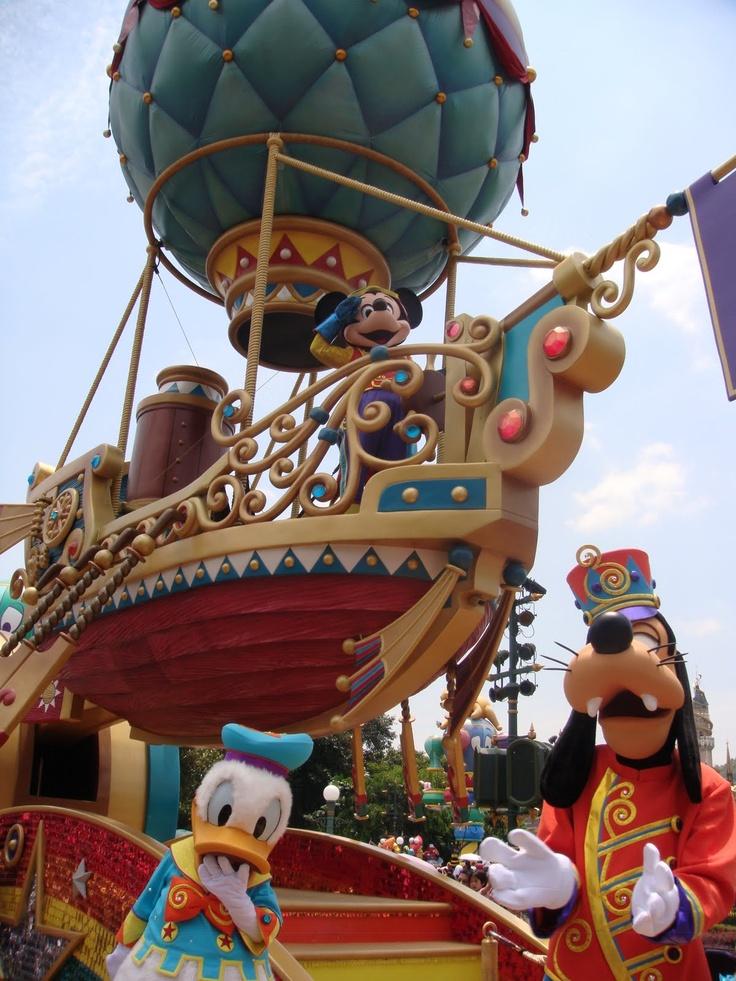 Hong Kong Disney Parade, worked on Balloon portion