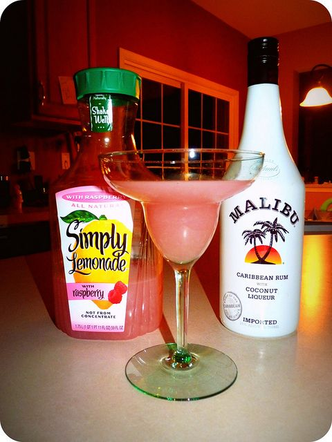 Raspberry simply lemonade, malibu rum, ice and blend. So amazing!