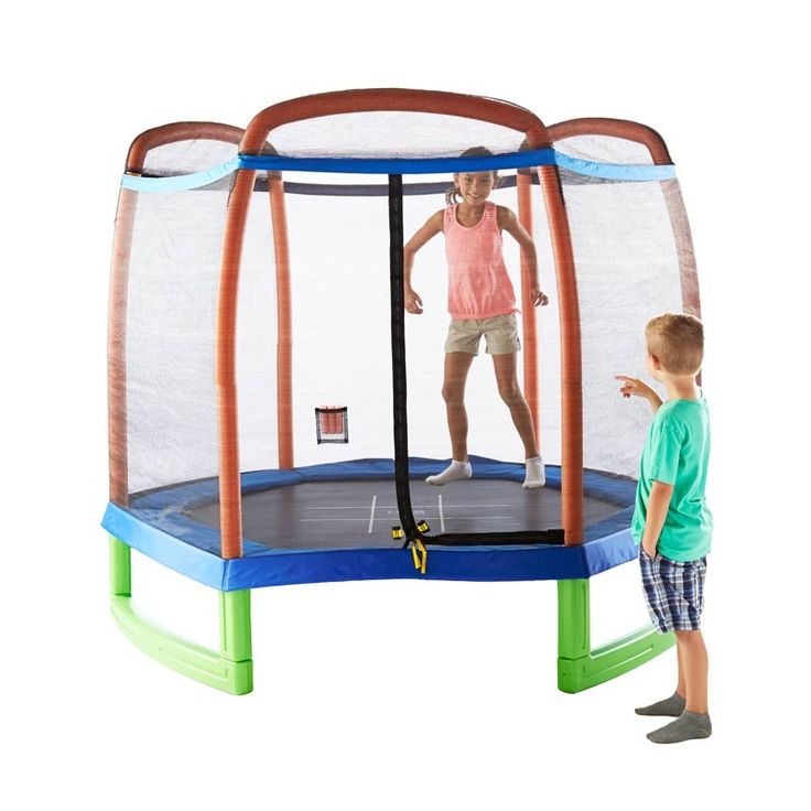7' Trampoline and Enclosure Set