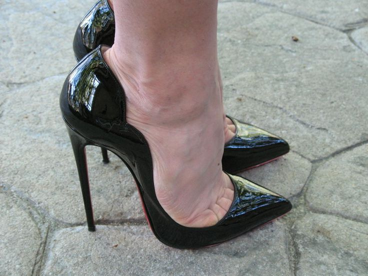 Pretty Toe High Heel And Nylon Fetish
