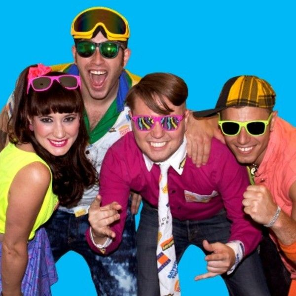 17 Ways to Have an Awesome '90s-Themed Party