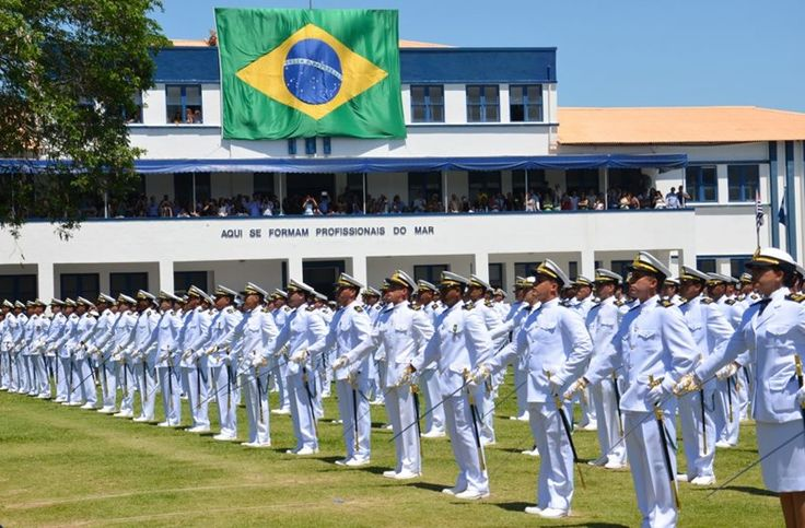 Foi divulgado nesta quinta-feira (9), no Diário Oficial da União, o edital do novo concurso da Marinha para admissão ao Curso de Formação de Soldados Fuzileiros Navais (C-FSD-FN) para as turmas I e II de 2018. A seleção oferece 1.300 vagas e receberá inscrições entre 2 e 30 de março.…