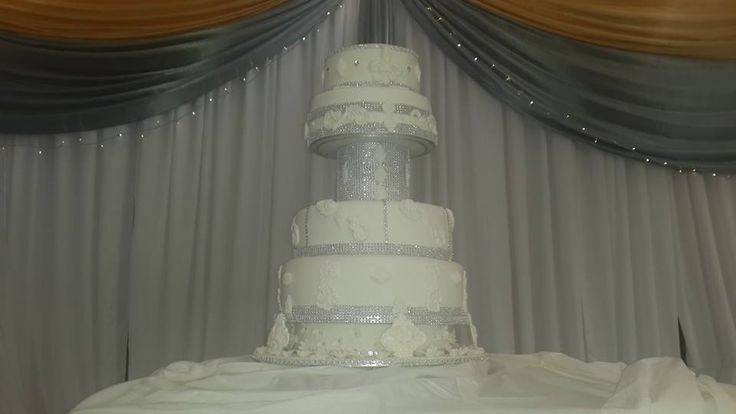 6 Tier White and Silver wedding cake by Altefyn Cakes
