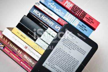 Amazon Kindle 3g Reading Device Royalty Free Stock Photo