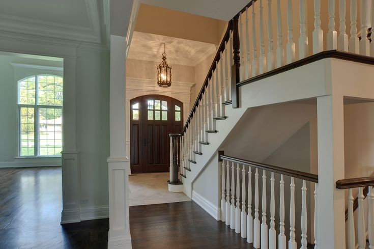 1001-Woodlawn-Glenview - entry-door-staircase - Globex Developments Custom Homes