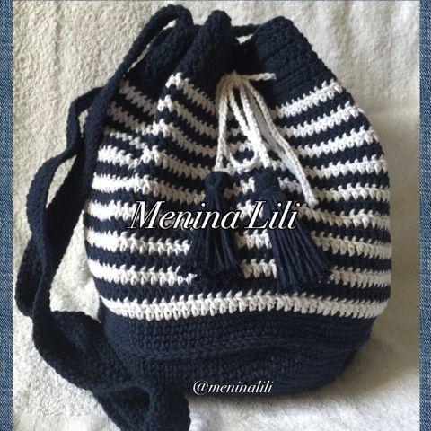 Bolsa estilo mochila linda de crochê, ótima para qualquer ocasião e situação. Praia, shopping...