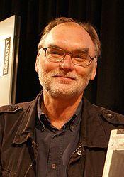 Leif Davidsen (Otterup, 25 juli 1950) is een Deense thrillerauteur en journalist.
