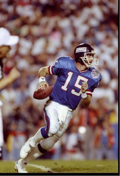 Quarterback Jeff Hostetler of the New York Giants