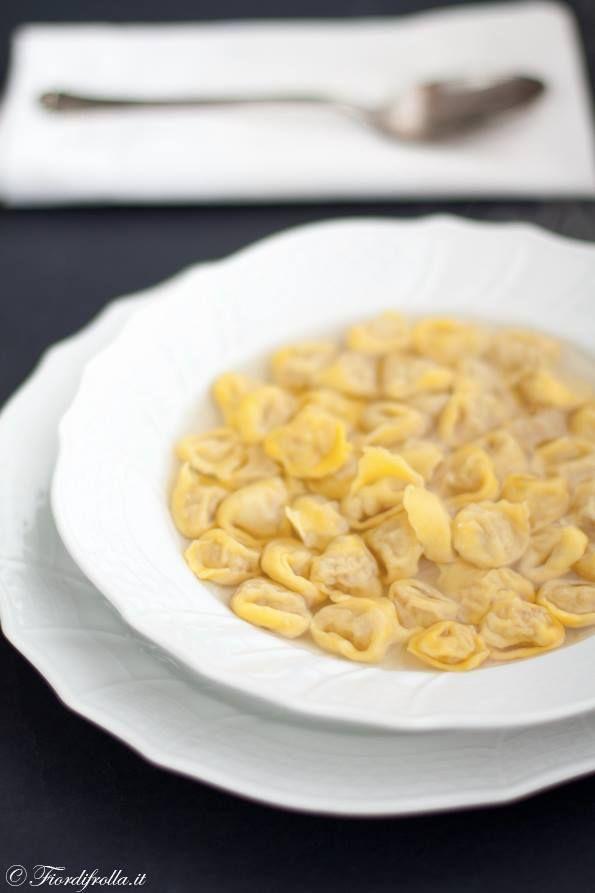 tortellini in brodo - Emilia Romagna טורטליני במרק - אמיליה רומניה