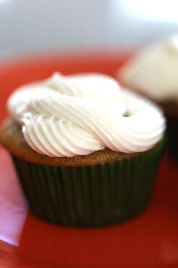 Blog post at Five Silver Spoons : Pumpkin spice cupcake recipe with cream cheese frosting from DC cupcakes. So delicious. The maple in the frosting knocks the taste out of th[..]